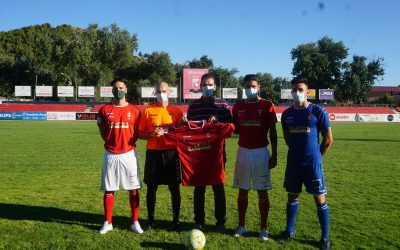 Presentada la nueva camiseta de la RSD Alcalá en el estadio Municipal del Val